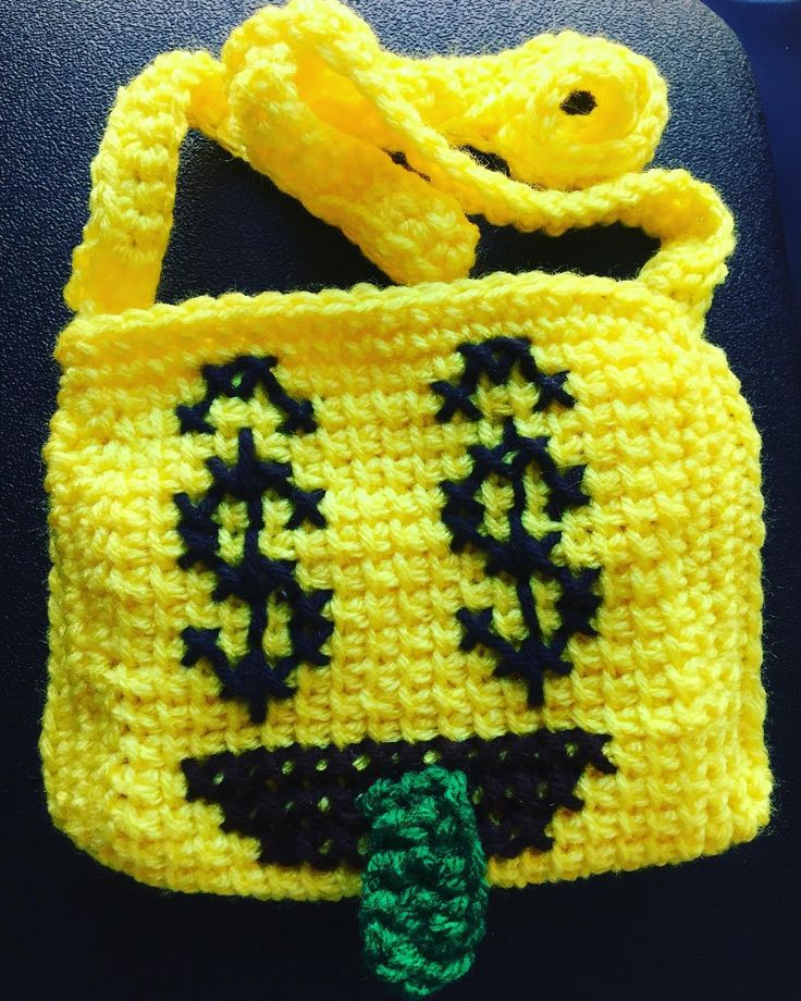 "32 Me gusta, 1 comentarios - Yolanda Chavez Sherman (@yochetcrochet) en Instagram: ""The kids wanted me to try money emojis so I obliged. They snatched it up today so I guess it was a…"""