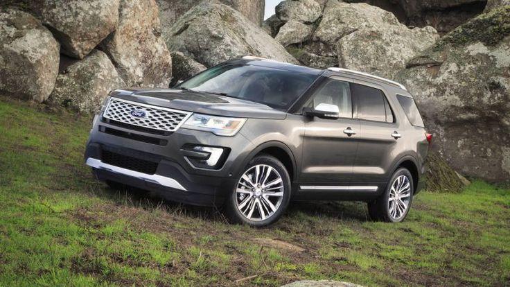 2017 Ford Explorer Platinum front