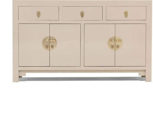 Perfect for minimalist or classic styled spaces, this lovely Large Oyster Grey Sideboard makes for a functional and beautiful piece to have. Add this to your kitchen and use the drawers for storing cutlery and other important kitchen items. At the bottom portion you have two large cabinets perfect for keeping large kitchenware.