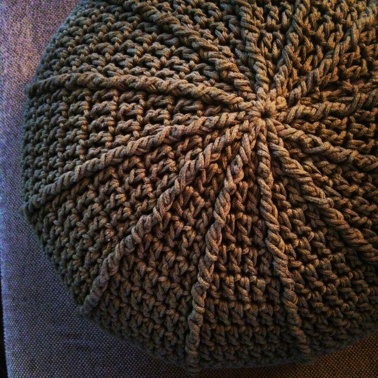 Gehaakte poef! Crochet poof!