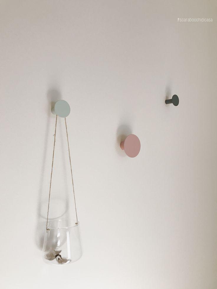 #Plumes . . #scarabocchidicasa #home #myhome #homedesign #homedecor #homeaccessories #appendiabiti #maisonsdumonde #pastelcolors #coloripastello #hanger #urbangarden #urbangardenmaisonsdumonde #glass #hangingglass #vaso #vasosospeso #coimport #iphone7plus #iphonecamera #vsco #vscocam #vscocamitaly #vscoitaly