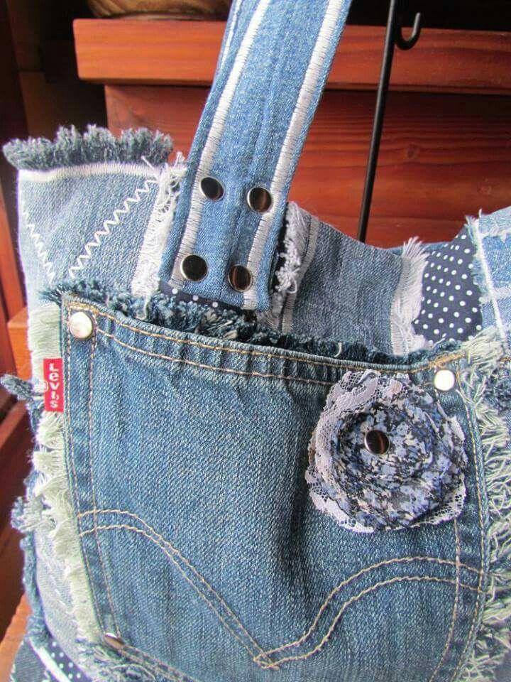 Jeans con flor