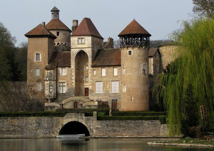 chateau de Sercy .Bourgogne