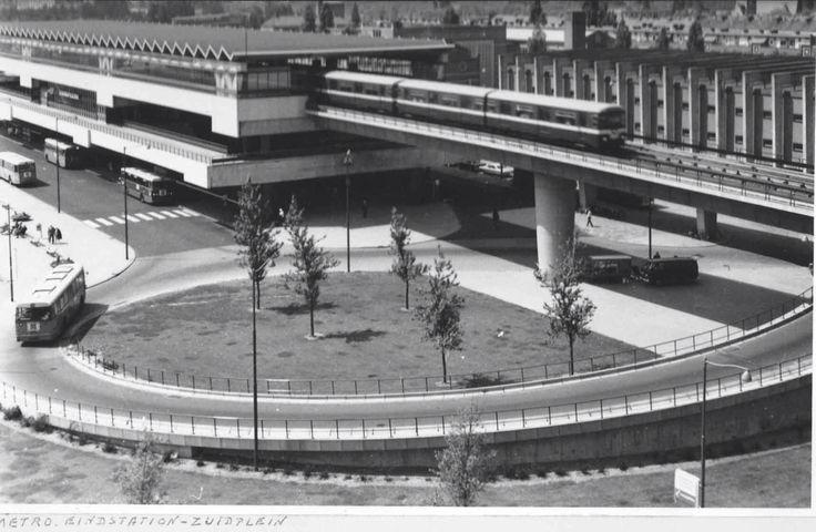 Metro Zuidplein
