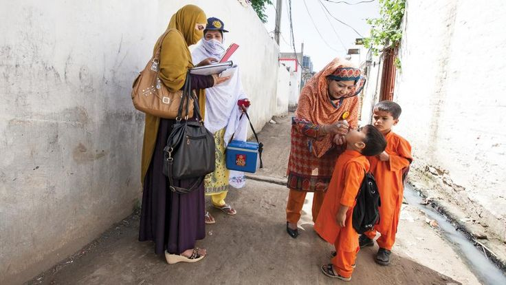 Polio in Pakistan: Immunizing a population on the move | My Rotary