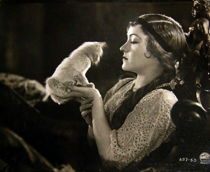 Gloria Swanson and cat