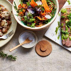 Buffé är ett utmärkt alternativ till stora fester med många gäster! Kan buffématen lagas i god tid och frysas in är det toppen. Recept till buffén!