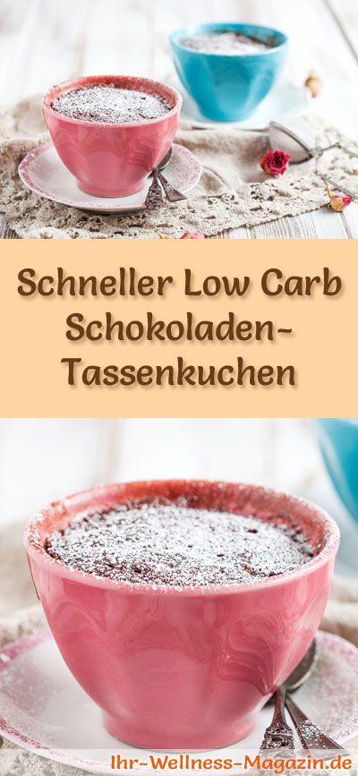 Rezept für einen schnellen Low Carb Schokoladen-Tassenkuchen: Der kohlenhydratarme, kalorienreduzierte Kuchen wird ohne Zucker und Getreidemehl zubereitet ...