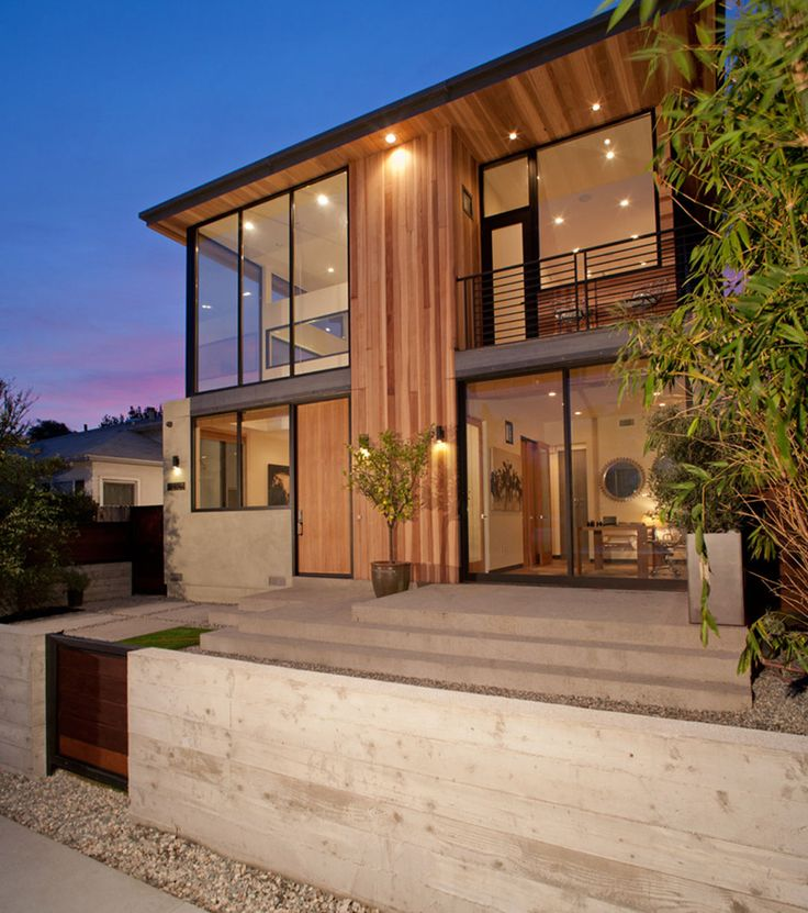 This House In Los Angeles Presents A New Face To The Street