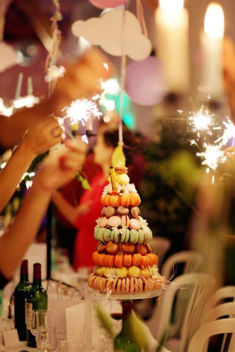 Macaron cake with sparklers?!?Newyears, Happy Birthday, Macaroons Cake, French Macaroons, Macarons Cake, Wedding Cake, Macaroons Towers, Birthday Cake, New Years