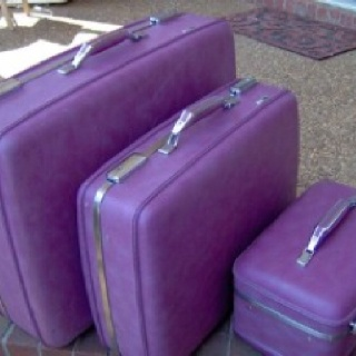 Purple! If you're going to travel,  do it in style.Purple Travel Suitcases, Colors Purple, Bags Style, Passion Purple, Luggage Sets, Purple Passion, Purple Sets, Vintage Luggage, Purple Luggage