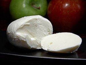 Фото к рецепту: Сычужный домашний сыр.