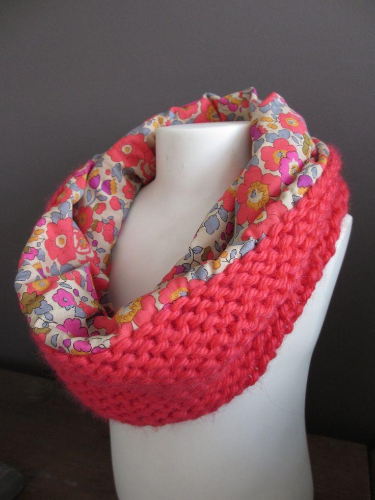 gebreide sjaal van dik wol met een leuk gekleurd stofje als voering Snood hiver Betsy fluo thé - PA