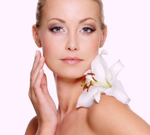 Masca facială cu portocală este specială pentru persoanele care au tenul uscat, deoarece ajută la hidratarea pielii. Dacă pielea nu primește un aport suficient de apă, ea tinde să devină uscată și să apară diferite