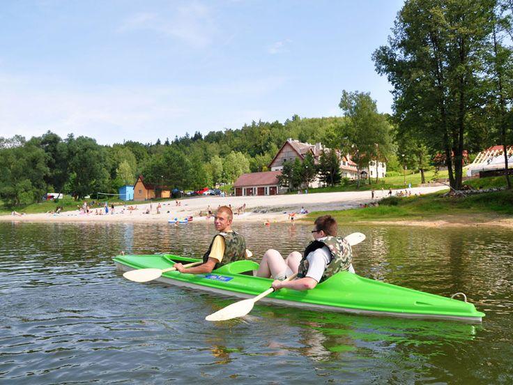 Aby Domki wspaniałe w górach nad jeziorem w Polsce na Złoty Potok Resort. Oferujemy Państwu piękne domki z dużą ilością obiektów w przystępnej cenie.