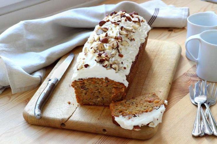 O Carrot Cake (cake de cenoura) é perfeito para o lanche acompanhado de uma xícara de chá ou chocola... - @Silvia Santucci