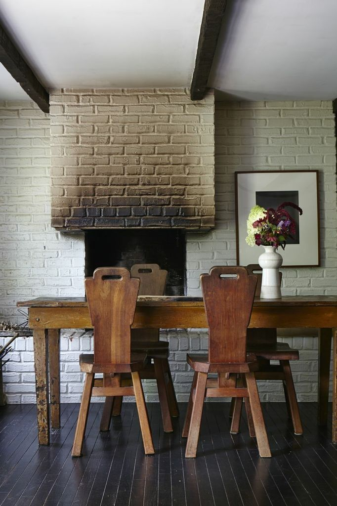 Laura Silverman Brick FIreplace/ Photo by Michael Munday/ Remodelista