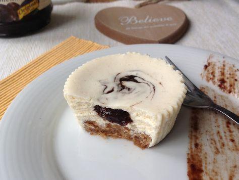 Vím, že klasický cheesecake ze sýra je skvělý a není potřeba na něm nic měnit, přesto mi to ale nedalo. Sýr jsem v plné míře nahradila tvar...