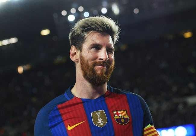 Lionel Messi is listed (or ranked) 3 on the list The Best Soccer Players of All Time