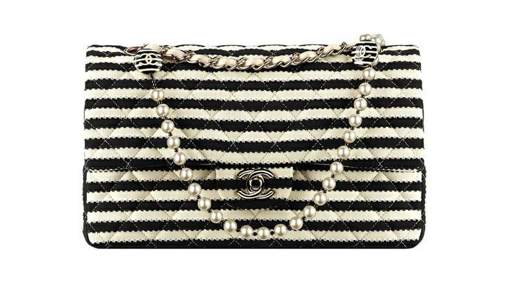 Le sac marinière de Chanel http://www.vogue.fr/mode/le-sac-du-week-end/diaporama/le-sac-mariniere-de-chanel/17166