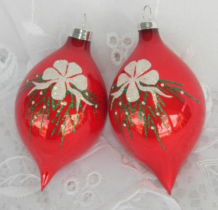 Details about 2 vtg glass christmas tree ornaments red for White tree red ornaments