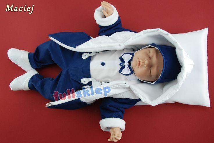 Zimowe dla chłopca bawełniane ubranko na chrzest w ciemno niebieskim kolorze.