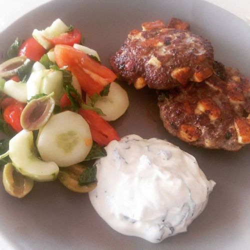 Back to fasting today! Dinner was Lamb and Halloumi Burgers with home grown tomato cucumber mint and basil salad. This is @myketokitchen recipe. Last time I grated the Halloumi but this time I cubed them. I think I prefer it grated. In any event this is a favorite of ours. Yum! #fat #keto #ketosis #ketogenic #ketodiet #ketogenicdiet#lchf #paleo #primal #fatadapted #healthy #cleaneating #diet #atkins #sugarfree #grainfree #highfat #lowcarb #fatloss #weightloss #IQS #whole30 #Halloumi…