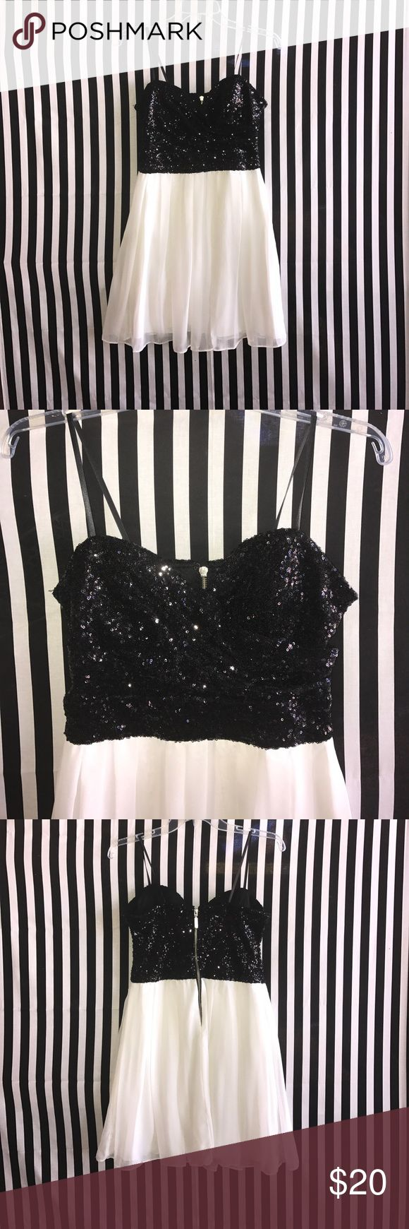 Juniors Size 13, B. Smart Dress Gorgeous Dress with Black Sequins top. Great for parties or the holidays.  B.Smart Dress  Size 13 Only used one time. B. Smart Dresses