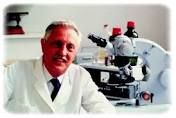 Who Discovered Cri Du Chat? The person who discovered Cri Du Chat was a French scientist named Dr. Jerome Lejeune. He was born on June 13, 1926 and died on April 3,1994 at the age of sixty-seven. This was because he smoked and was diagnosed with lung cancer. During his lifetime, Lejeune discovered a number of genetic disorders, including Cri Du Chat. Another disorder he discovered was a Down Syndrome. In 2013, Dr. Jerome Lejeune's discovery of Cri Du Chat was celebrated.