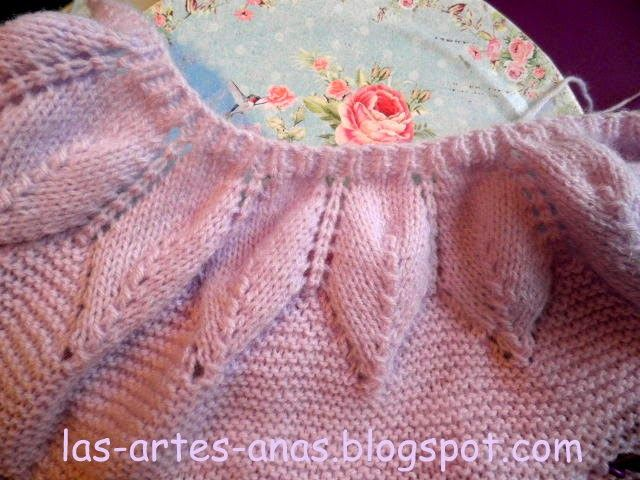 ESTA, es mi versión de INVIERNO con lana, del canesú de hojas para jubón de bebé,    la anterior versión en algodón, se nos ha quedado p...