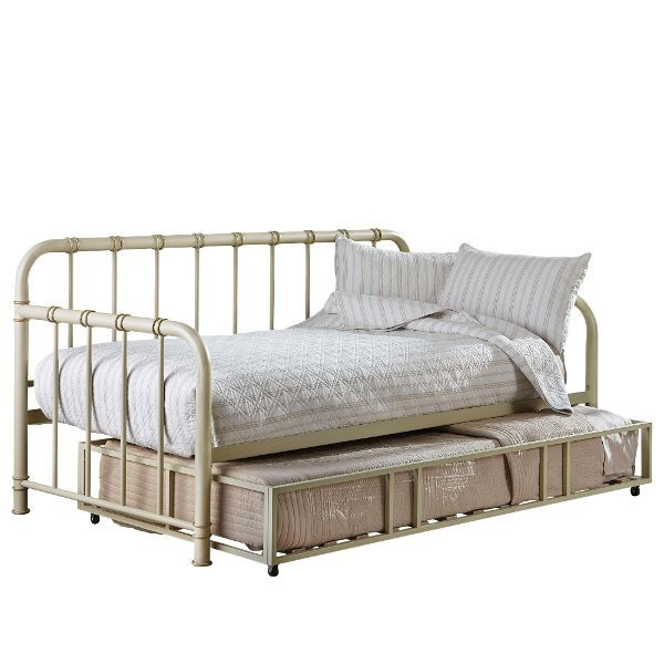 Tristen Antique White Metal Daybed With Trundle Rc Willey Home Frunishings Metal Daybed With Trundle Standard Furniture Metal Daybed