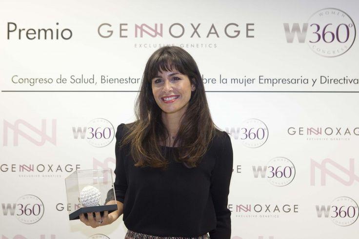 Premio Genoxage a Núria Roca. Congreso Salud, Bienestar para la Mujer.