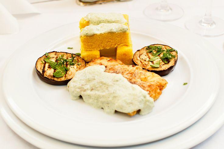 Wedding menu 2016 - Antreu cald => File de salau servit cu crutoane de mamaliguta, asezonat cu vinete la gratar alaturi de sos de capere si broccoli. Check it out: http://www.conacularchia.ro/nunti-botezuri/