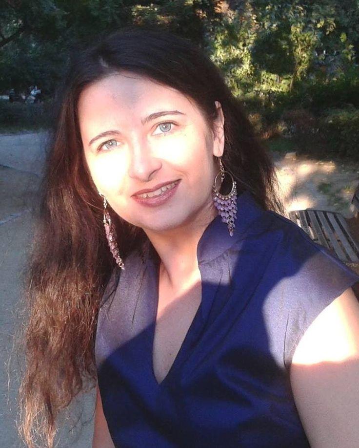 De ce experţii preferă Twitter cu Eliana Corina  Why experts prefer Twitter #expert #Twitter #SocialMedia #PersonalBranding #business www.fluxymedia.com