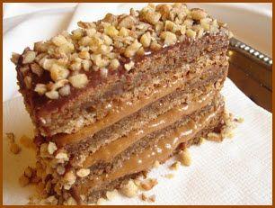Posna reforma torta je prosto neodoljiva zahvaljujući svojoj hrskavoj kori od oraha i još boljem čokoladnom kremu.Kako se nalazimo u periodu godine kada je aktuelna posna trpeza,svakako vam preporučujemo da uvrstite i ovaj recept na vašem prazničnom i slavskom jelovniku.I