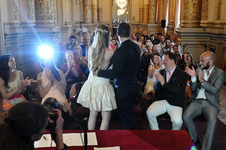 """Doce parejas dieron el """"Sí"""" en el Teatro Colón"""