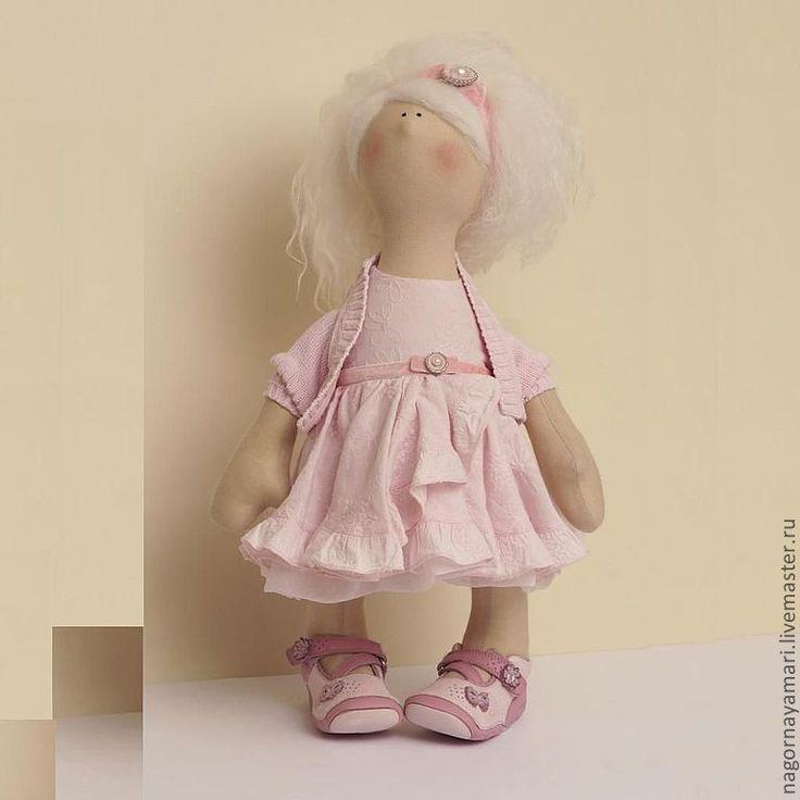 Как одеть куклу большеножку