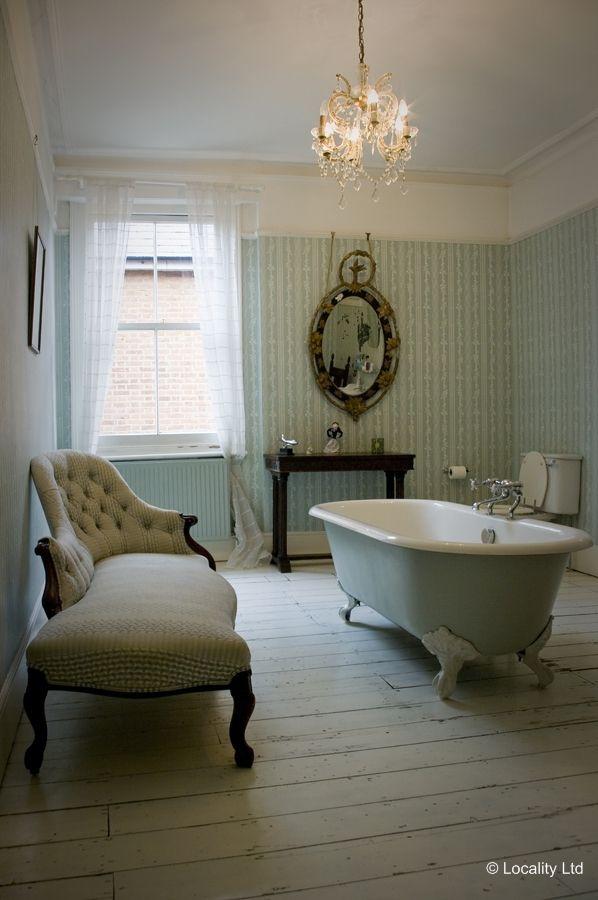 Bathroom, Wooden Floor, Wallpaper   Patterned