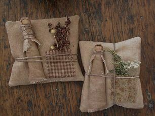 primitive clothespin dolls | Gertrude Clothespin Doll & Sawdust Pillow