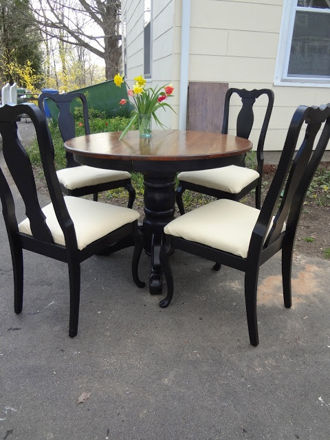 Heir and Space: An Oak Pedestal Dining Set | Dining Sets ...