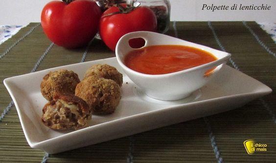 Polpette di lenticchie al forno con salsa piccante al pomodoro