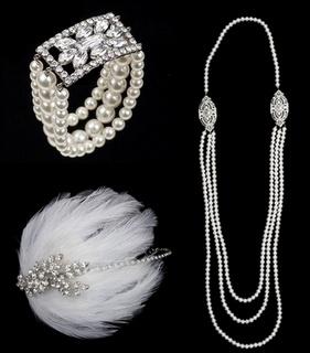 Bijoux vintages: Long collier de perles - Diamants - Peigne à plume pour cheveux
