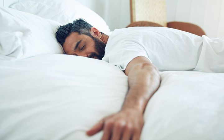 Here Are The 5 Reasons Why Sleeping On Your Stomach Or Side Will Ruin Your Life Sleep Sleep Problems How To Fall Asleep