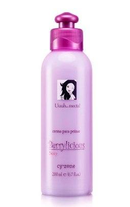 Delicioso aroma en tu cabello - Crema para peinar Cy° Berrylicious sexy uuuh...meta! www.cyzone.com
