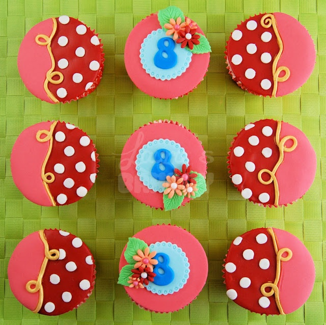 Oilily-Style cupcakes van Laura's bakery