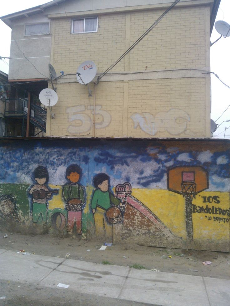 """Mural pintado por grupo de niños autodenominados """"los Bandoleros"""". Población Valenzuela Llanos, mas conocido como Barrio Chino, en la comuna de Lo Espejo..."""