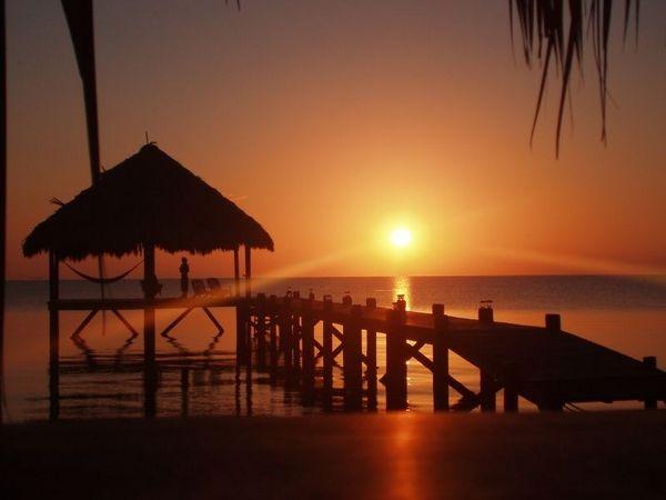BelizeBelize Sunsets, Favorite Places, Sunris, Honduras Hop, Places I D, Belize Vacation, Travel Spots, Beach, Central America