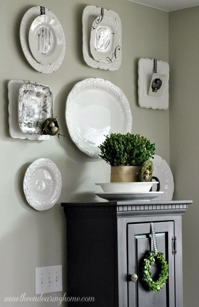 best 25 plate wall decor ideas on pinterest dining plates wall decor for kitchen and dinning. Black Bedroom Furniture Sets. Home Design Ideas