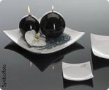 geschwungene Platte aus Porzellan  #bellaflora #decoration #deko #kerze #candle