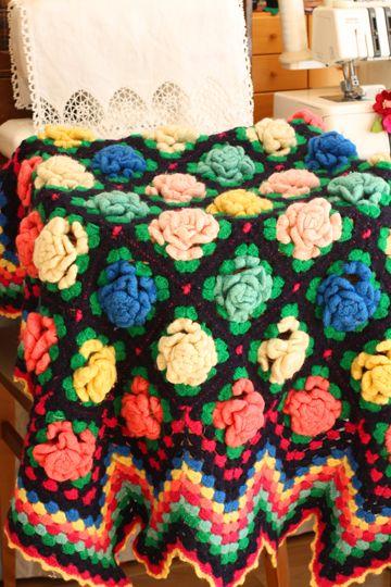 赤いキノコ手芸段 薔薇のひざ掛けの編み方